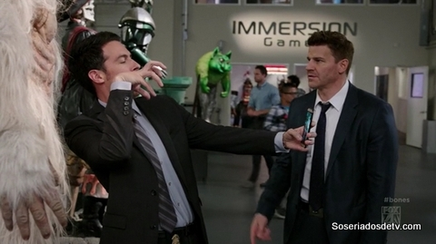 Bones 10x04 s10e04 The Geek In the Guk