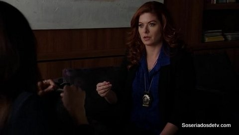 The Mysteries Of Laura: The Mystery of the Political Operation (2x14)