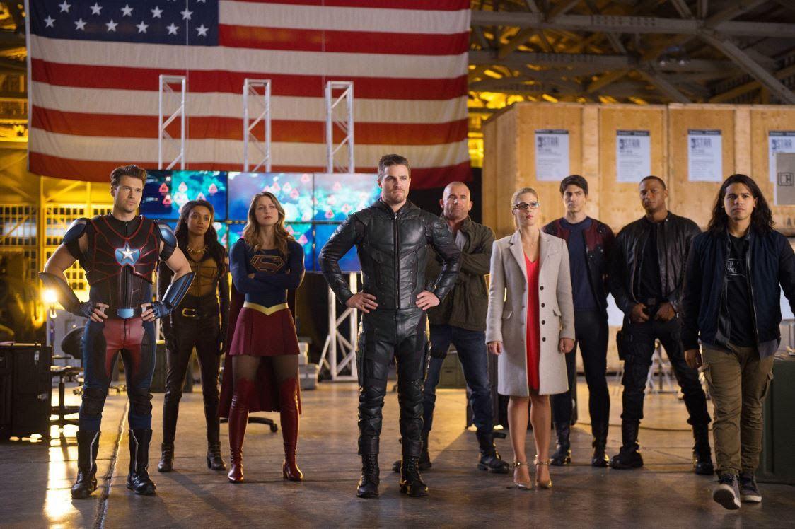 Warner exibe crossover de heróis da DC na próxima semana