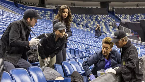 NCIS New Orleans: Man on Fire (3x03)